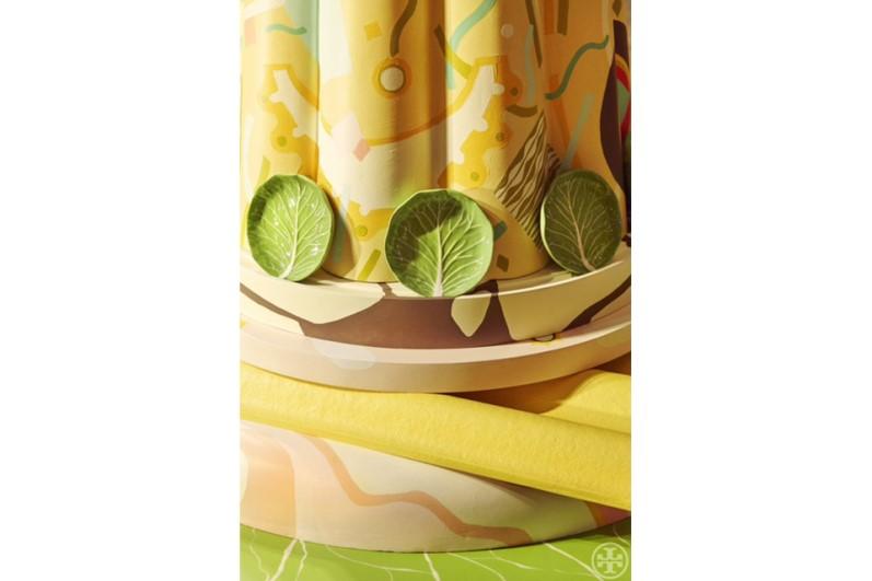 Milán 2015: Bethan Laura Wood crea instalación de canapés de gran tamaño para platos con forma de lechuga